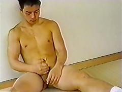 Asian rent boy bodybuilder jerkoff